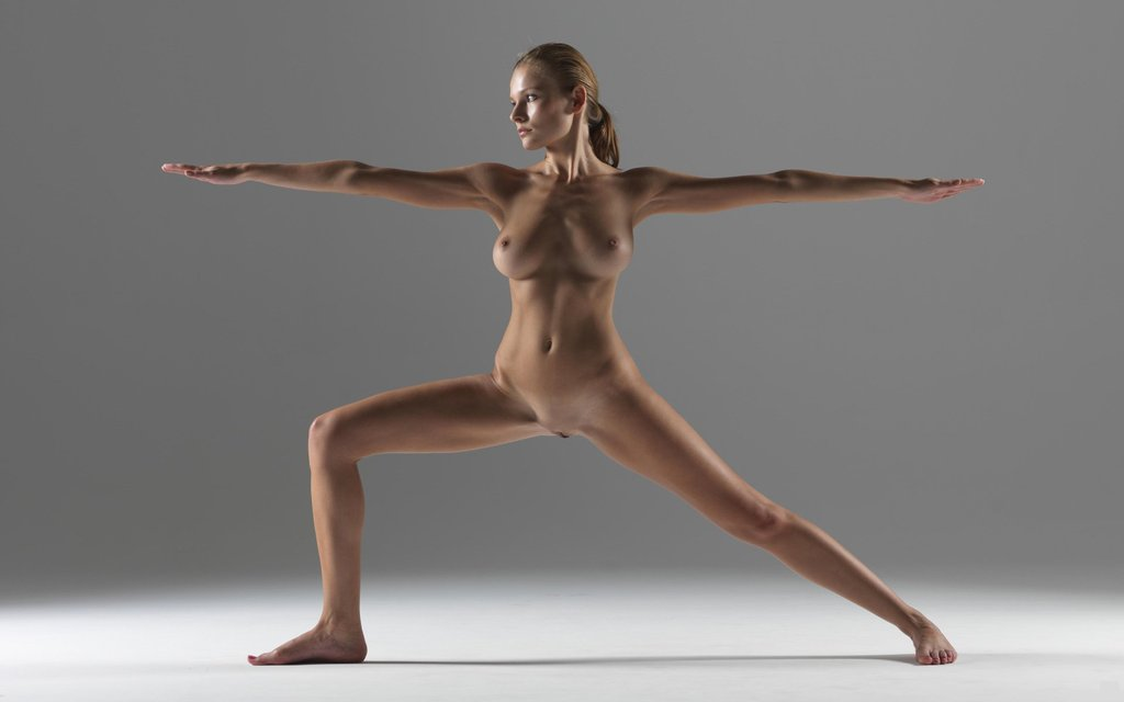фото голая йога